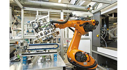 初中生可以学工业机器人的学校哪个好?