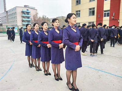 2021年石家庄铁路学校航空服务专业收费标准